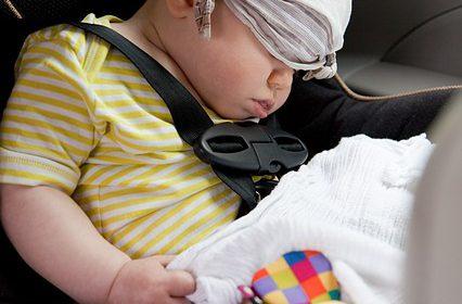 Akcesoria samochodowe, czyli o tym, jak podróżować z dzieckiem