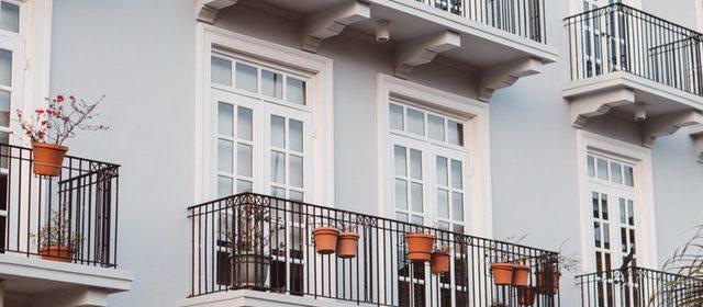 Jak wybrać idealną balustradę balkonową? Poradnik