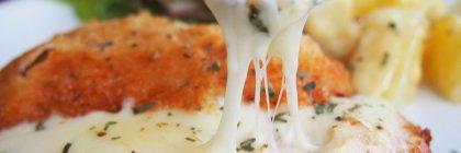 Indyk w sosie z sera pleśniowego