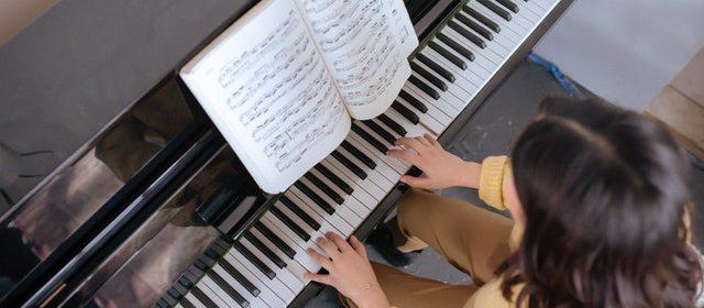 Nauka gry na pianinie online może być skuteczna?